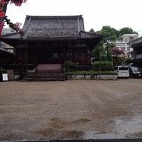 Photo taken at 円徳寺 by 鈴木 尚. on 9/6/2015