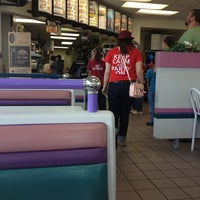 Photo taken at Taco Bell by Lindsey T. on 5/24/2013