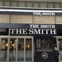 2/12/2013 tarihinde Alex A.ziyaretçi tarafından The Smith'de çekilen fotoğraf