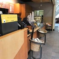 Photo taken at Starbucks by Martin D. on 3/23/2017