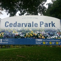 Photo prise au Cedarvale Park par Yuming L. le10/13/2012