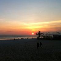 Foto tirada no(a) Praia do Pepê por Juan C. em 11/10/2011