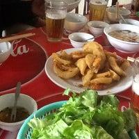 Photo taken at Nham Thin Quan by Gấu D. on 11/25/2012