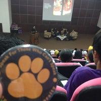 Photo taken at Auditorium Perpustakaan Sultanah Nur Zahirah, UMT by Faiza M. on 3/26/2016