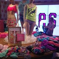 Снимок сделан в Victoria's Secret пользователем Olya S. 7/3/2013