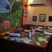 Foto tomada en Numero Uno Cuban Cuisine por Jackson el 11/5/2012