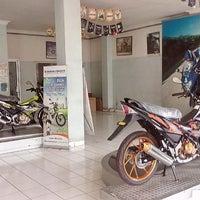 Photo taken at Suzuki Cipulir by Angga K. on 1/11/2014