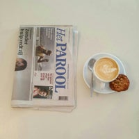 Foto tirada no(a) Caffènation por Abdullah H. em 8/14/2015