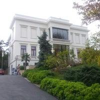 Foto tirada no(a) Sakıp Sabancı Müzesi por Onur B. em 10/24/2012