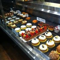 Foto tirada no(a) Boulangerie Guerin por Daniel F. em 11/16/2012
