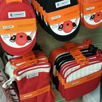 Photo taken at Le Creuset Factory Outlet by Nancy L. on 7/4/2014