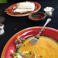 Foto tomada en Ole Mole Mexican Grill por Ryan S. el 3/30/2013