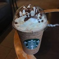 Photo taken at Starbucks by Akkpsl on 9/6/2017