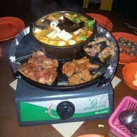Photo taken at 833 BBQ Steamboat Buffet by Michy F. on 10/28/2013