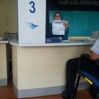 Photo taken at Garuda Indonesia by Wiranto E. on 4/16/2014