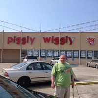 Photo taken at Piggly Wiggly by Rachael D. on 5/24/2013