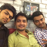 Photo taken at Qwiches by Rushabh U. on 7/25/2014