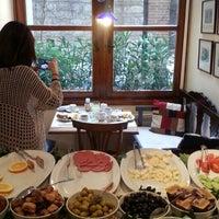 12/27/2013 tarihinde H Y.ziyaretçi tarafından Sari Konak Hotel, Istanbul'de çekilen fotoğraf