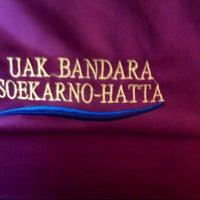 Photo taken at Terminal DAMRI Bandara Soekarno-Hatta by Rikiansyah &. on 10/22/2014