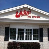 Photo taken at Whitey's Ice Cream by Thom B. on 8/14/2014