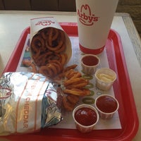 Photo taken at Arby's - Closed by Hikmet Emre K. on 8/13/2014