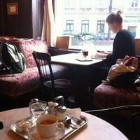 Photo prise au Café Sperl par Josef R. le12/12/2012