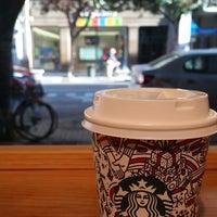 Foto tirada no(a) Starbucks por Teodora G. em 11/9/2017