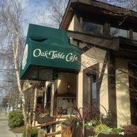Foto tirada no(a) Oak Table Cafe por ML G. em 2/18/2013