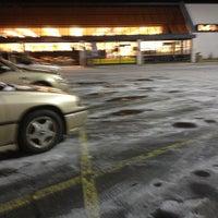 Photo taken at Giant Eagle Supermarket by Aubrey S. on 1/23/2013