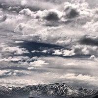 Foto tirada no(a) Camino A Farellones Km.0 por Omar S. em 8/31/2013