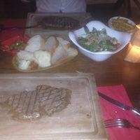 Foto tirada no(a) Shato Steakhouse por ünsal G. em 8/24/2016