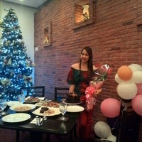 Photo taken at The Avenue Bar & Restaurant by Dessy on 11/14/2015