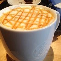 Снимок сделан в Starbucks пользователем Rodolfo S. 1/31/2013
