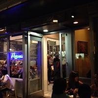 Foto tirada no(a) Pizzeria Delfina por Jason P. em 10/1/2012