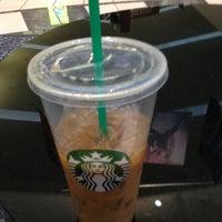 Foto diambil di Starbucks oleh Kelley D. pada 2/24/2013