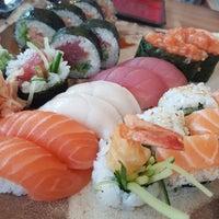 Снимок сделан в Oto Sushi пользователем Michal S. 6/25/2017