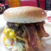 Foto tirada no(a) Mel's Country Cafe por 👊Michael L. em 2/22/2013