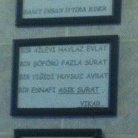 Foto tomada en Köfteci Hüseyin por Gamze el 1/24/2013