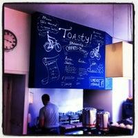 Foto diambil di Toasty Lunchroom oleh Geralda W. pada 3/30/2013
