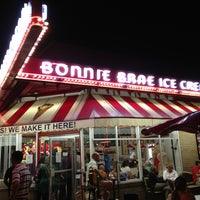 Photo taken at Bonnie Brae Ice Cream by Garland T. on 7/6/2013