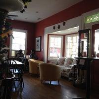 Foto tomada en Sweet Potato Café por Grace N. el 10/15/2012