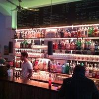 Das Foto wurde bei Burger & Bier von George C. am 5/11/2013 aufgenommen