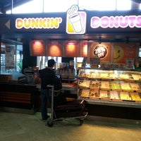 Photo taken at Dunkin' Donuts by ⓑⓐⓑⓨ . on 1/21/2014