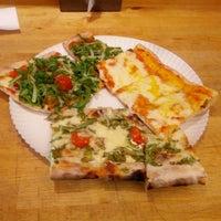 5/16/2014 tarihinde Roldano D.ziyaretçi tarafından Garda Pizza'de çekilen fotoğraf