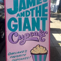 Photo taken at James and The Giant Cupcake by Crystal W. on 7/12/2016
