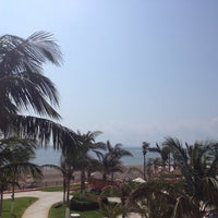 Photo taken at Golfo De México by ♋Jonathan T. on 3/30/2013