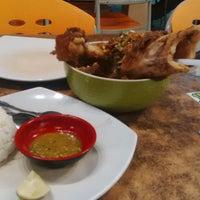 Photo taken at Amaliun Food Court by Turmizi I. on 1/27/2015