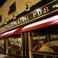 12/29/2012 tarihinde Bethany K.ziyaretçi tarafından Claddagh Irish Pub'de çekilen fotoğraf