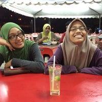 Photo taken at Cafe Stesen Tiga Puluh by Mila G. on 8/2/2015