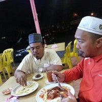 Photo taken at Zamri Kanji Arab Taiping by Airie on 1/6/2014